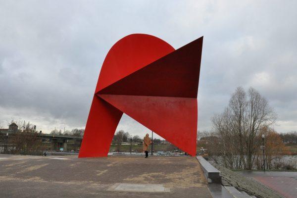 staal sculptuur Tango 10 mtr.