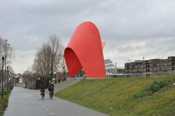 staalsculptuur Tango 10 mtr. (3)